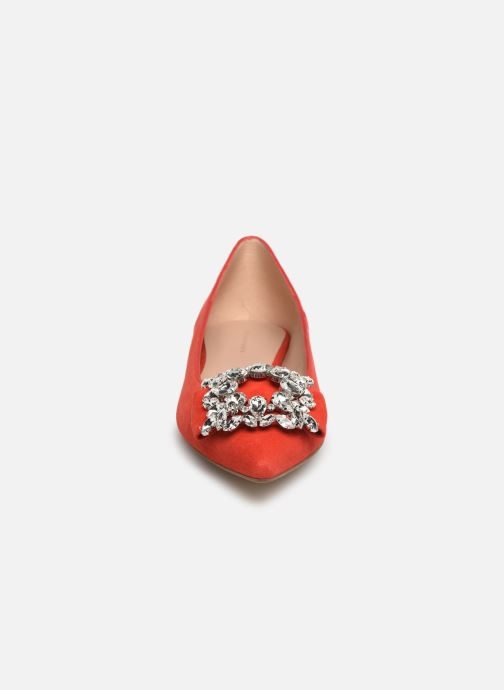 Ballerines COSMOPARIS MANEA Rouge vue portées chaussures