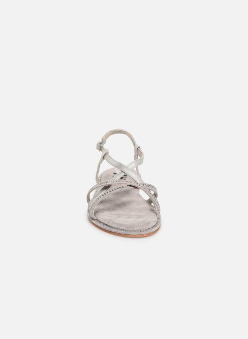 Sandales et nu-pieds Xti 56860 Gris vue portées chaussures
