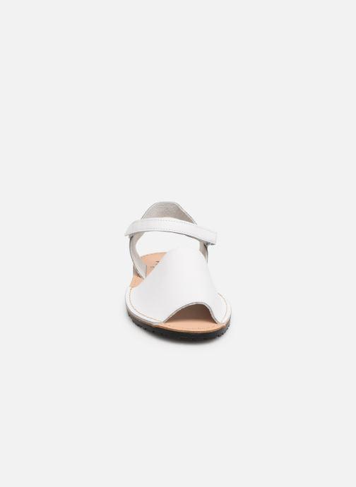 Sandali e scarpe aperte Xti 56878 Bianco modello indossato
