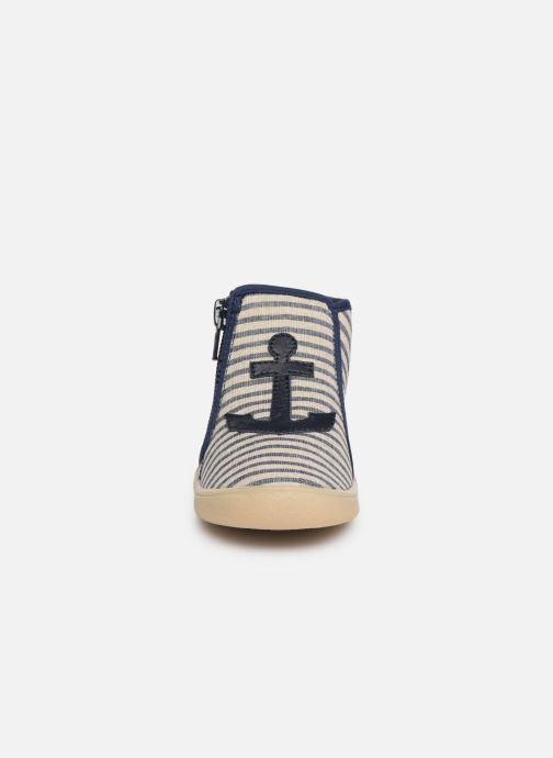 Chaussons Babybotte Mousse Bleu vue portées chaussures