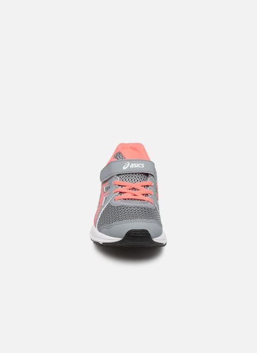Scarpe sportive Asics Jolt 2 PS Grigio modello indossato