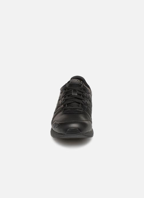 Sneakers Asics Gel Lyte GS Nero modello indossato