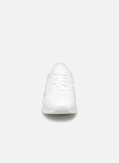 Baskets Asics Gel Lyte GS Blanc vue portées chaussures