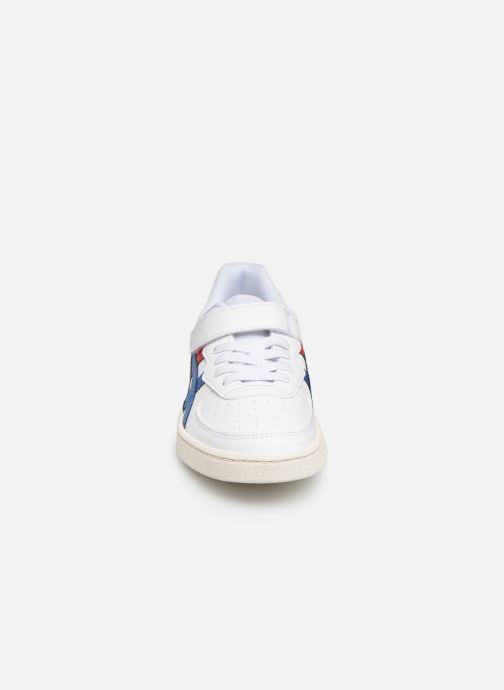 Baskets Asics GSM PS Blanc vue portées chaussures