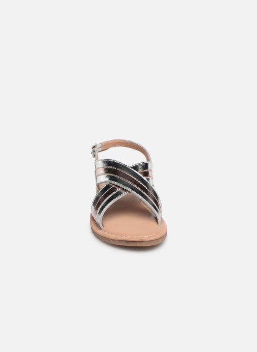 Sandales et nu-pieds Fresas by Conguitos Agata Argent vue portées chaussures
