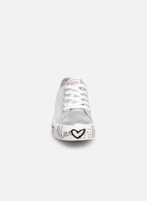 Sneaker Fresas by Conguitos Manola silber schuhe getragen