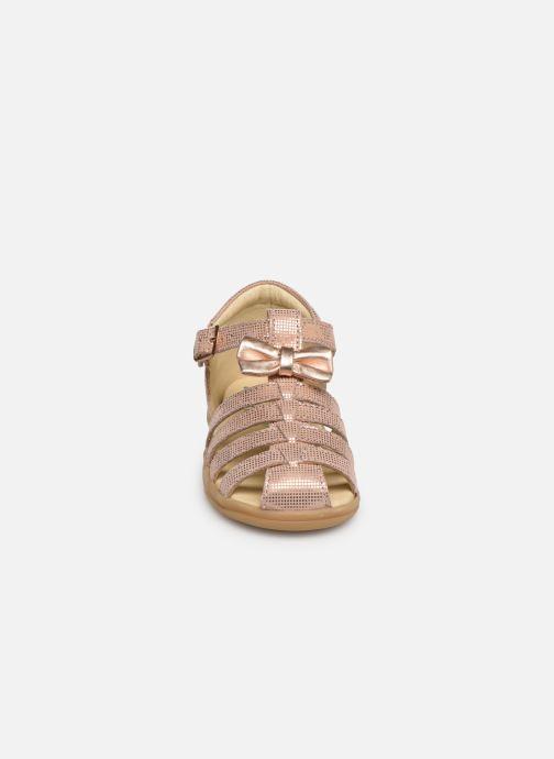 Sandales et nu-pieds Shoo Pom Pika Spart Knot Rose vue portées chaussures