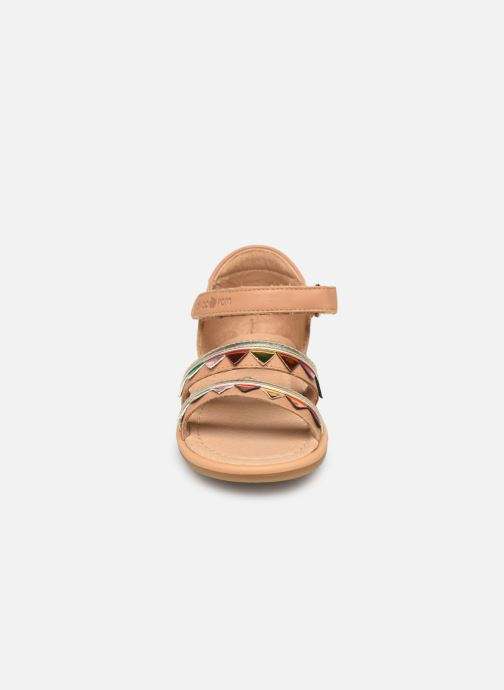 Sandales et nu-pieds Shoo Pom Tity Flag Or et bronze vue portées chaussures