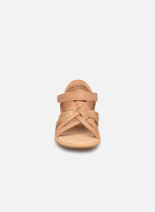Sandales et nu-pieds Shoo Pom Tity Grigri Marron vue portées chaussures