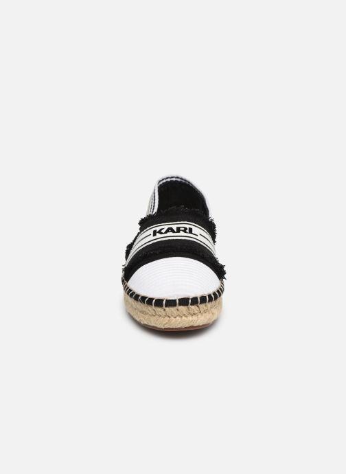 Scarpe di corda KARL LAGERFELD Kamini Patchwork Slip On Nero modello indossato