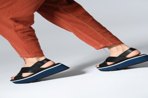 Sandales et nu-pieds Clergerie Anae Noir vue bas / vue portée sac