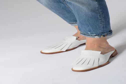 Mules & clogs Clergerie Yumi White view from underneath / model view