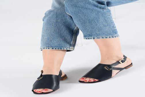 Sandales et nu-pieds Clergerie Ada Bleu vue bas / vue portée sac