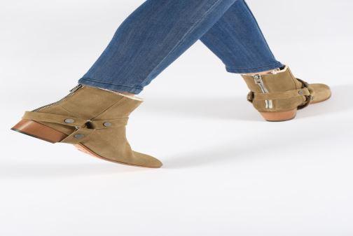 Bottines et boots Zadig & Voltaire Sonlux Suede Marron vue bas / vue portée sac
