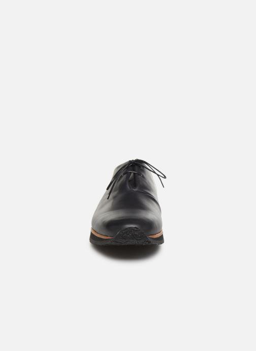 Zapatos con cordones Neosens Greco S496 Negro vista del modelo