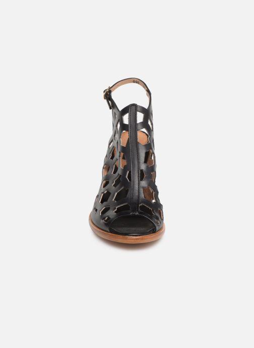 Sandali e scarpe aperte Neosens MONTUA S998 Nero modello indossato