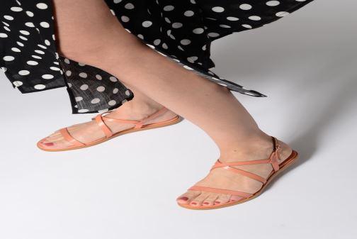Sandalen Neosens AURORA S946 orange ansicht von unten / tasche getragen