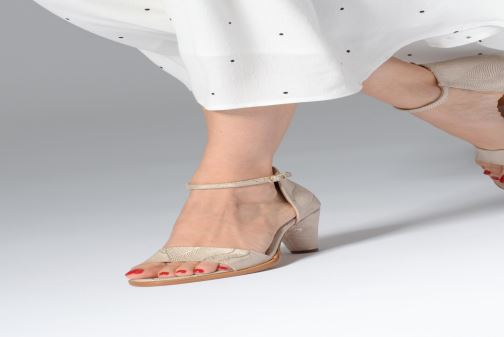 Sandals Neosens MONTUA S990 Beige view from underneath / model view