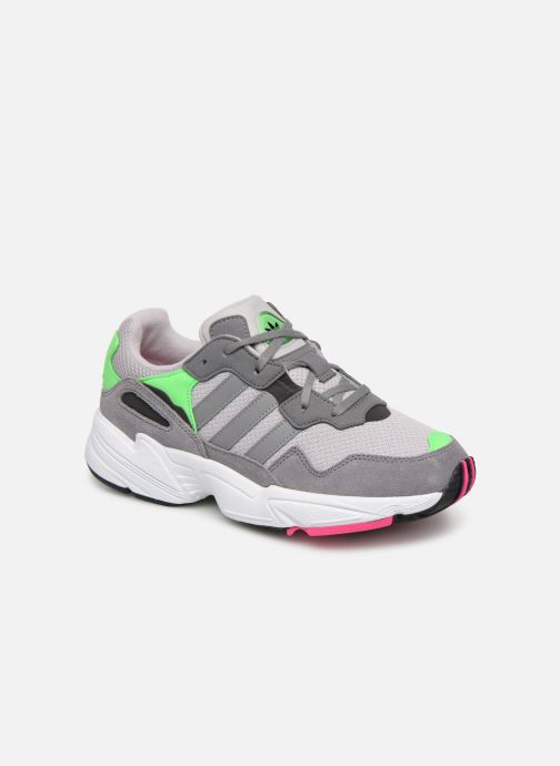 Baskets adidas originals Yung-96 J Gris vue détail/paire