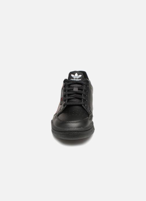Baskets Adidas Originals Continental 80 J Noir vue portées chaussures