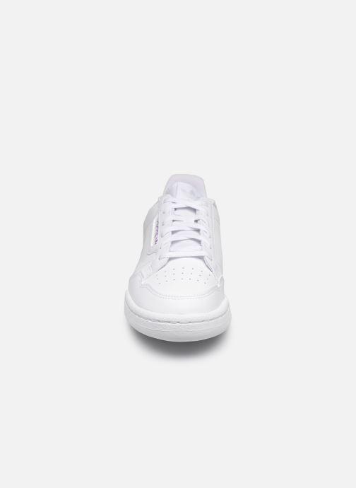 Sneakers adidas originals Continental 80 J Bianco modello indossato