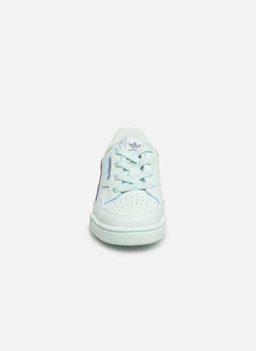 Baskets adidas originals Continental 80 I Bleu vue portées chaussures