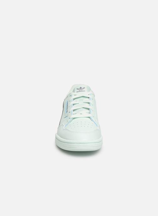 Baskets adidas originals Continental 80 C Bleu vue portées chaussures