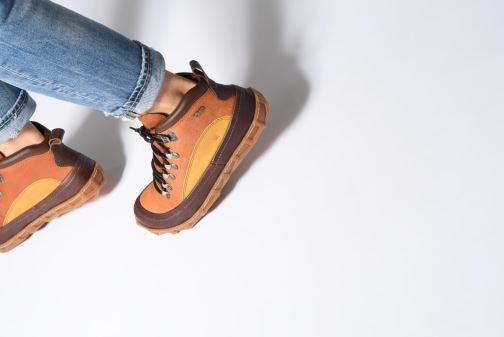 Bottines et boots Art Melbourne 1009 Marron vue bas / vue portée sac