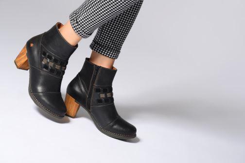 Stiefeletten & Boots Art Salzburg 1245 schwarz ansicht von unten / tasche getragen