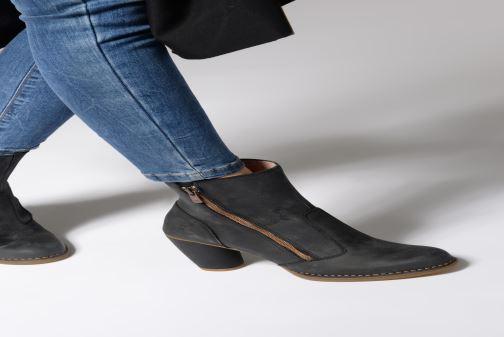 Bottines et boots El Naturalista Colibri N473 Noir vue bas / vue portée sac