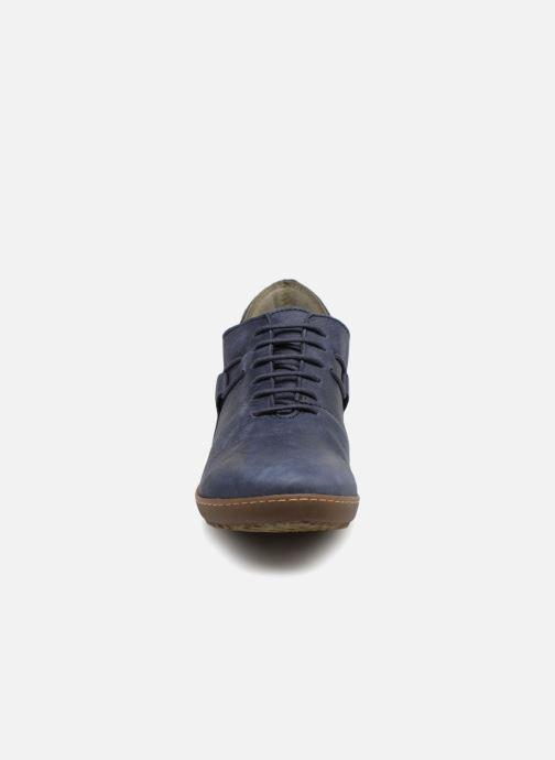 Scarpe con lacci El Naturalista Bee  ND19 Azzurro modello indossato