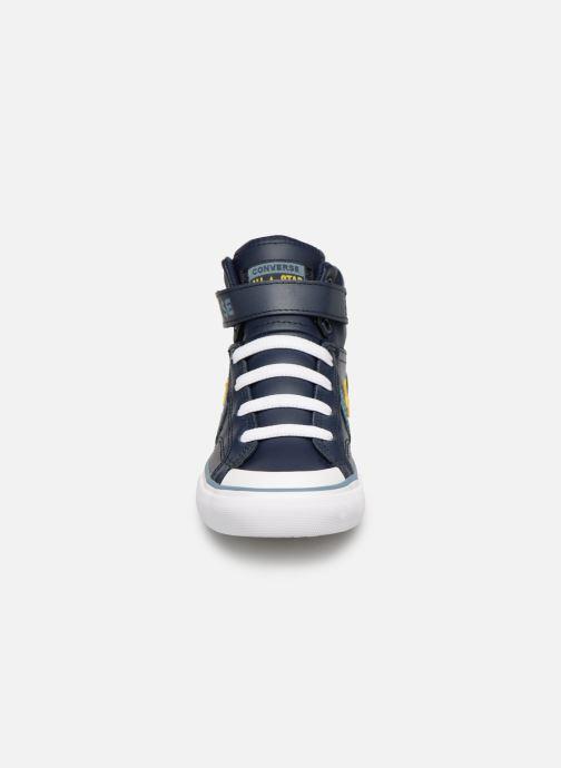 Sneakers Converse Pro Blaze Strap Hi Spring Essentials Azzurro modello indossato