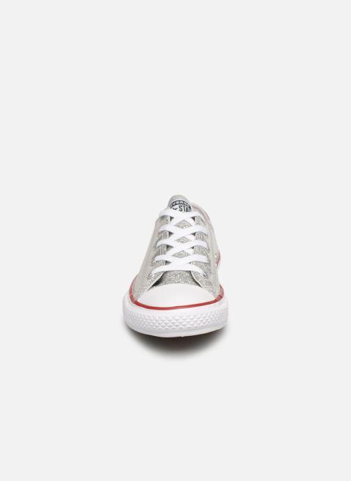 Sneakers Converse Chuck Taylor All Star Ox Sport Sparkle Argento modello indossato