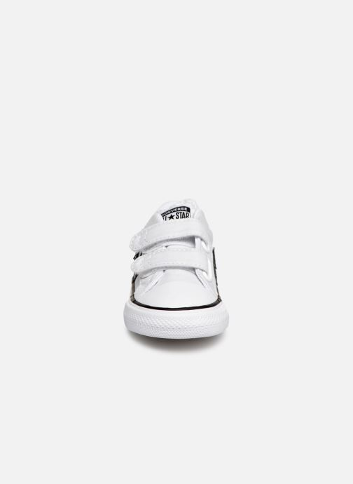 Baskets Converse Star Player 2V Ox Spring Essentials Blanc vue portées chaussures