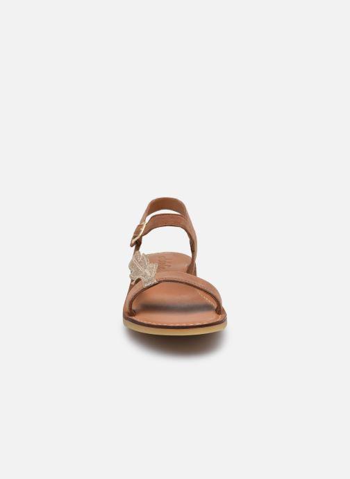 Sandales et nu-pieds Adolie Lazar Feather Marron vue portées chaussures
