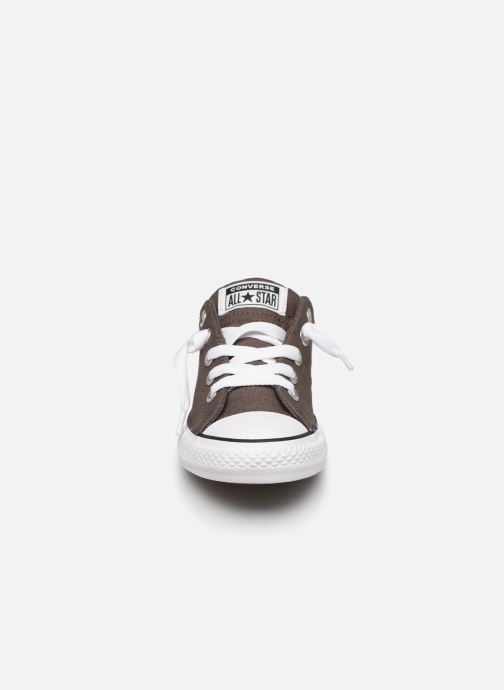Sneakers Converse Chuck Taylor All Star Street Slip Sport Webbing Grigio modello indossato