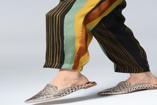 Mules & clogs Made by SARENZA UrbAfrican Mules #1 Bronze and Gold view from underneath / model view