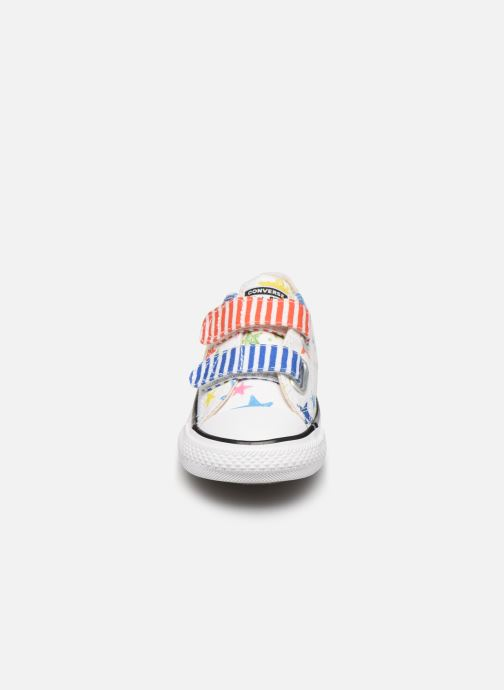 Baskets Converse Chuck Taylor All Star 2V Ox Noe & Zoe Blanc vue portées chaussures