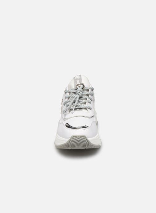 Baskets Dockers Irène Blanc vue portées chaussures
