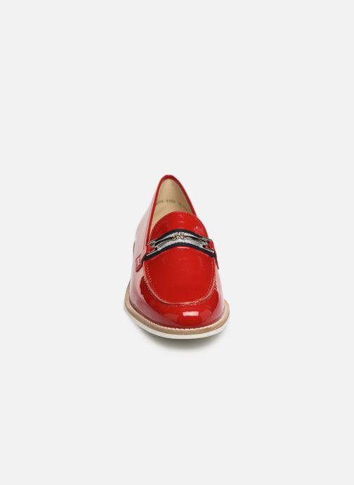Mocassini Ara Kent 31238 Rosso modello indossato