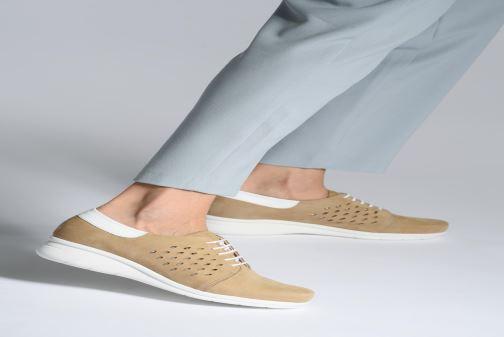 Chaussures à lacets Hirica Daniel Beige vue bas / vue portée sac