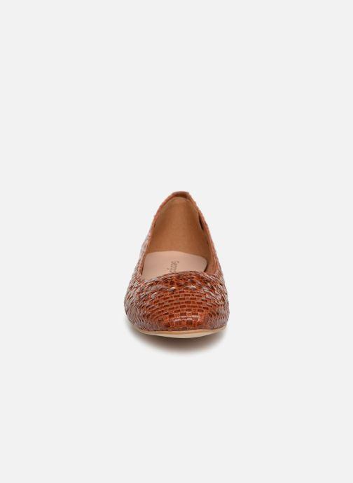 Ballerines Georgia Rose Satellia Marron vue portées chaussures