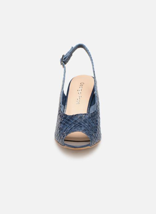 Zapatos de tacón Georgia Rose Strellia Azul vista del modelo