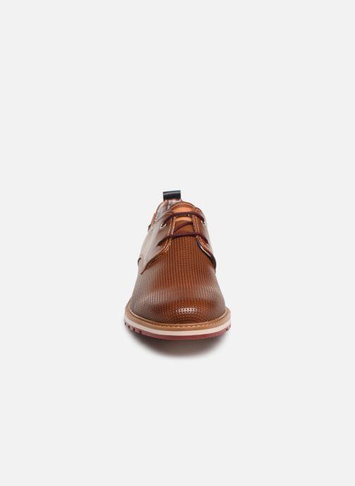 Zapatos con cordones Pikolinos Berna M8J-4273 Marrón vista del modelo
