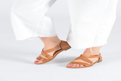 Sandali e scarpe aperte Pikolinos Algar W0X-0552 Giallo immagine dal basso