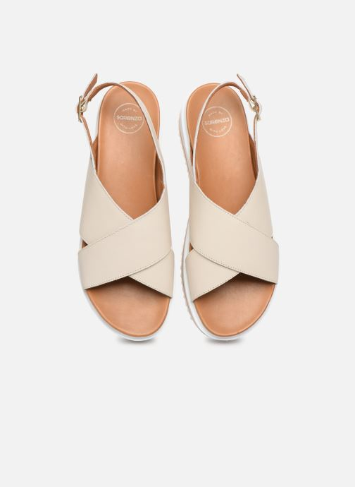 Sandali e scarpe aperte Made by SARENZA South Village Sandales Plates #2 Bianco modello indossato