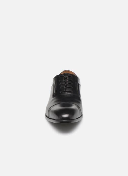 Zapatos con cordones Marvin&Co Newtown Negro vista del modelo