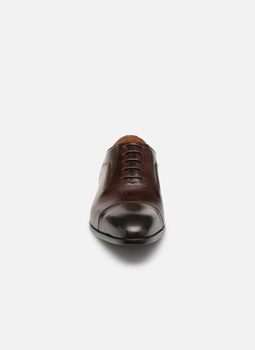 Scarpe con lacci Marvin&Co Newtown Marrone modello indossato