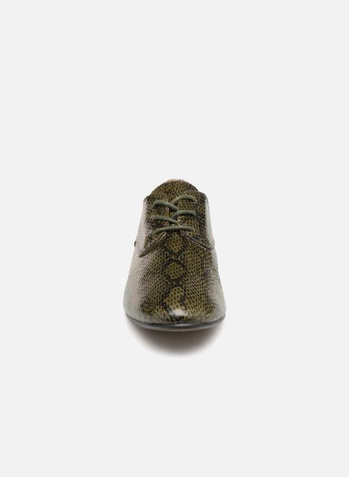 Zapatos con cordones Vanessa Wu RL1142 Verde vista del modelo