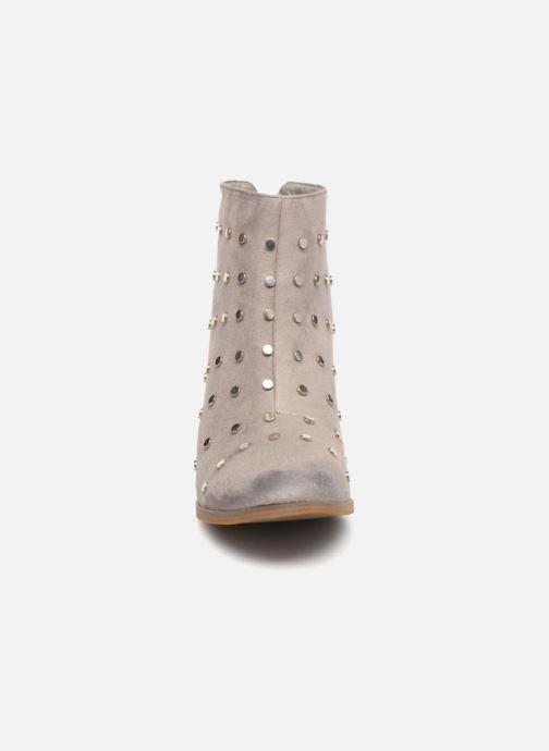 Bottines et boots Vanessa Wu BT1596 Gris vue portées chaussures
